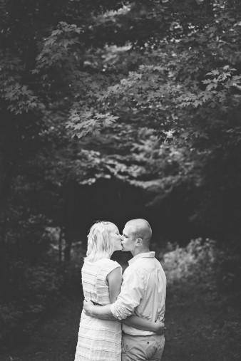 nothwoods-wedding-engagement-photo