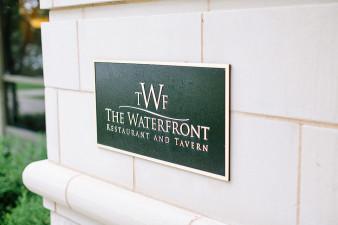 elegant-waterfront-lacrosse-wisconsin-wedding_001
