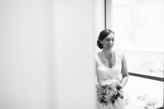 elegant-waterfront-lacrosse-wisconsin-wedding_012