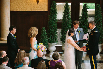 elegant-waterfront-lacrosse-wisconsin-wedding_019