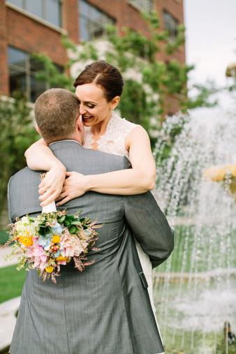elegant-waterfront-lacrosse-wisconsin-wedding_039