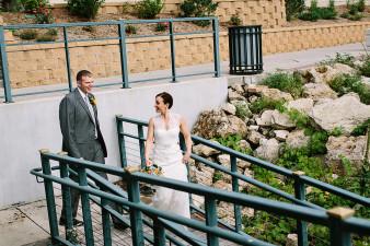 elegant-waterfront-lacrosse-wisconsin-wedding_045