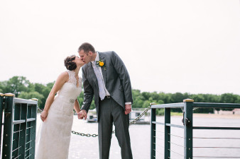 elegant-waterfront-lacrosse-wisconsin-wedding_051