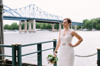 elegant-waterfront-lacrosse-wisconsin-wedding_058