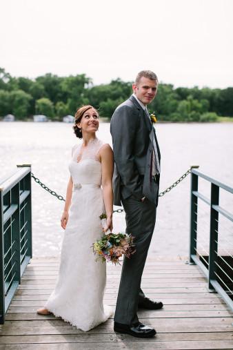 elegant-waterfront-lacrosse-wisconsin-wedding_059