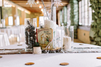Rothschild-pavilion-central-wisconsin-winter-wedding-james-stokes-15