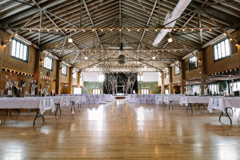 Rothschild-pavilion-central-wisconsin-winter-wedding-james-stokes-19