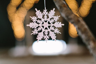 Rothschild-pavilion-central-wisconsin-winter-wedding-james-stokes-56
