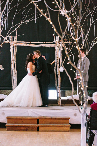Rothschild-pavilion-central-wisconsin-winter-wedding-james-stokes-69
