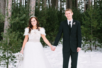 Rothschild-pavilion-central-wisconsin-winter-wedding-james-stokes-81