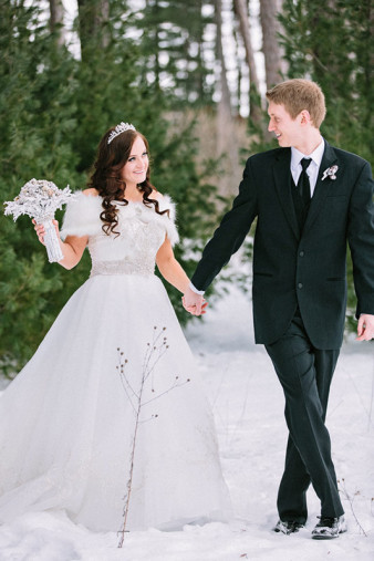 Rothschild-pavilion-central-wisconsin-winter-wedding-james-stokes-84