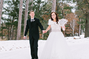 Rothschild-pavilion-central-wisconsin-winter-wedding-james-stokes-97