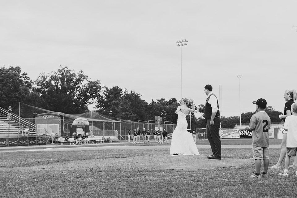 eau-claire-wedding-photographer.004