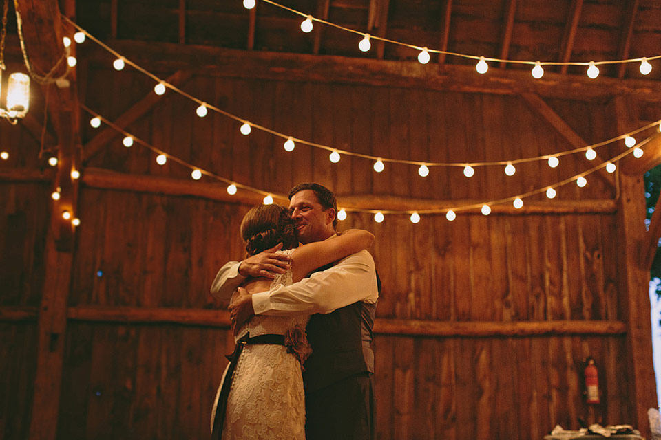 willow.pond.wisconsin.barn.wedding.venue.photo.011