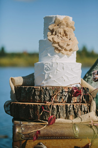 rustic-wisconsin-wedding-inspiration-photo-James-Stokes-Photography_012