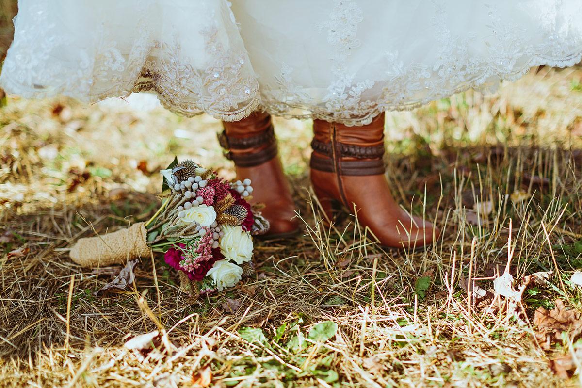 rustic-wisconsin-wedding-inspiration-photo-James-Stokes-Photography_070