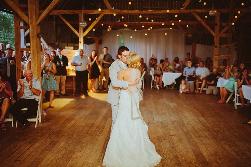 088-eastern-wisconsin-wedding-venues-enchanted-barn-88