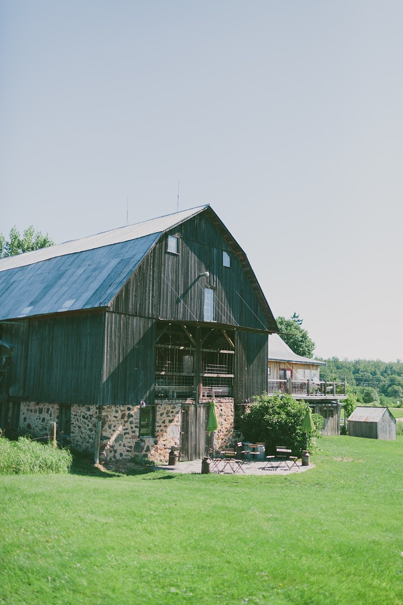 rustic-the-enchanted-barn-wedding-photos-001