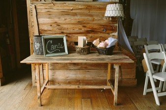 rustic-the-enchanted-barn-wedding-photos-021
