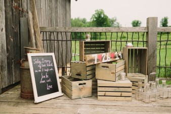 rustic-the-enchanted-barn-wedding-photos-024