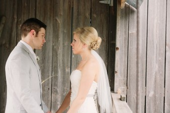 rustic-the-enchanted-barn-wedding-photos-038