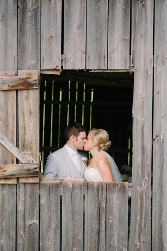 rustic-the-enchanted-barn-wedding-photos-050