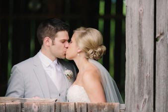 rustic-the-enchanted-barn-wedding-photos-051