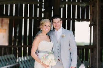 rustic-the-enchanted-barn-wedding-photos-053