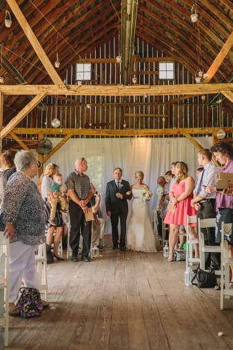 rustic-the-enchanted-barn-wedding-photos-071