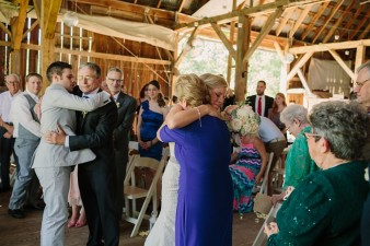 rustic-the-enchanted-barn-wedding-photos-073
