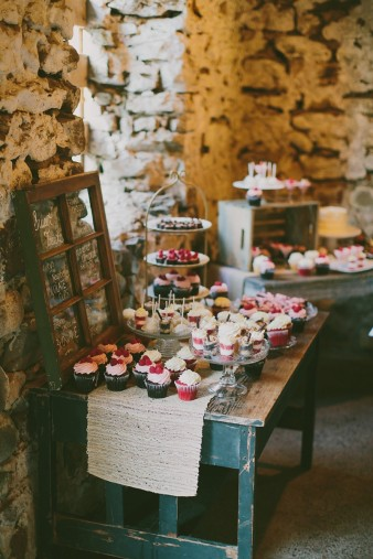 rustic-the-enchanted-barn-wedding-photos-098