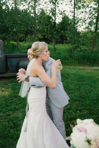 rustic-the-enchanted-barn-wedding-photos-099