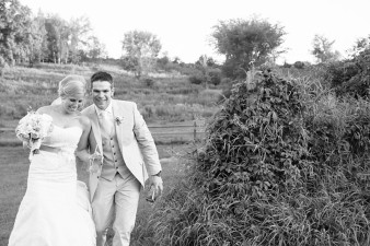 rustic-the-enchanted-barn-wedding-photos-111