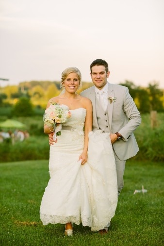 rustic-the-enchanted-barn-wedding-photos-112