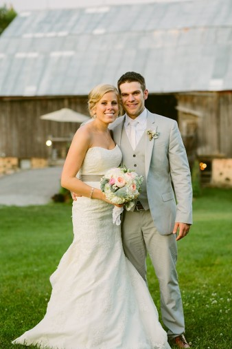 rustic-the-enchanted-barn-wedding-photos-114