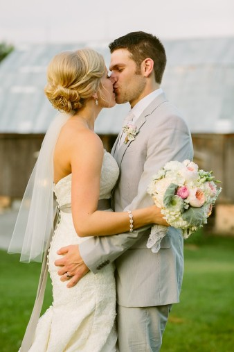 rustic-the-enchanted-barn-wedding-photos-116