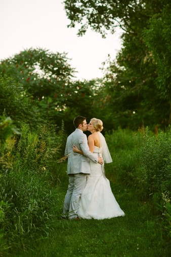 rustic-the-enchanted-barn-wedding-photos-119