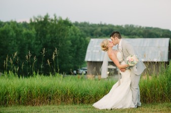 rustic-the-enchanted-barn-wedding-photos-123