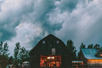 rustic-the-enchanted-barn-wedding-photos-134