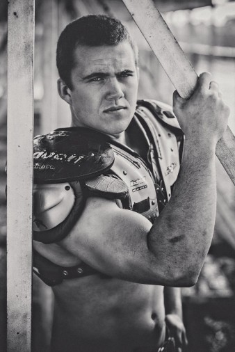 abbotsford-high-school-senior-falcon-football-hunting-senior-photos-35