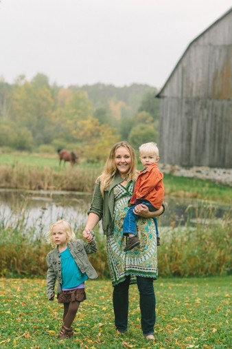 fall-family-photos-child-photographer-lifestyle.wi28
