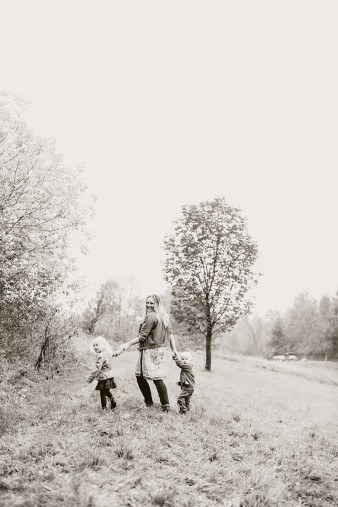 fall-family-photos-child-photographer-lifestyle.wi41