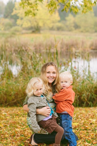 fall-family-photos-child-photographer-lifestyle.wi60