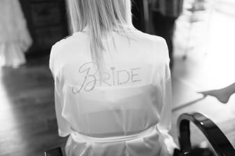 munson-bridge-winery-outdoor-wedding-in-wisconsin-photos-001