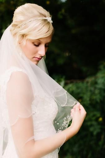 munson-bridge-winery-outdoor-wedding-in-wisconsin-photos-009