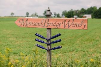munson-bridge-winery-outdoor-wedding-in-wisconsin-photos-013