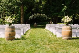 munson-bridge-winery-outdoor-wedding-in-wisconsin-photos-016