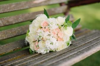 munson-bridge-winery-outdoor-wedding-in-wisconsin-photos-022