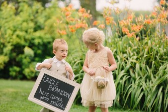 munson-bridge-winery-outdoor-wedding-in-wisconsin-photos-027