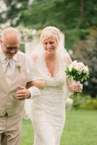 munson-bridge-winery-outdoor-wedding-in-wisconsin-photos-029